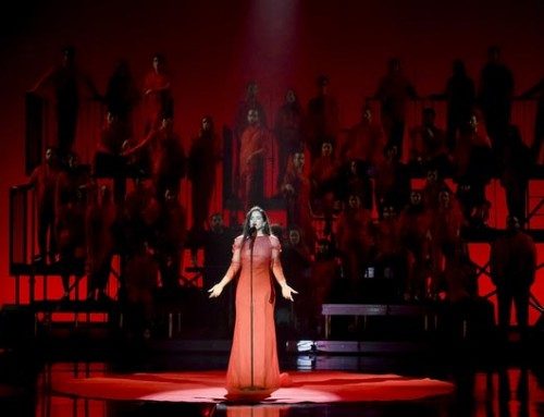 Maria vives i Josep Agusí canten amb la Rosalía als premis Goya