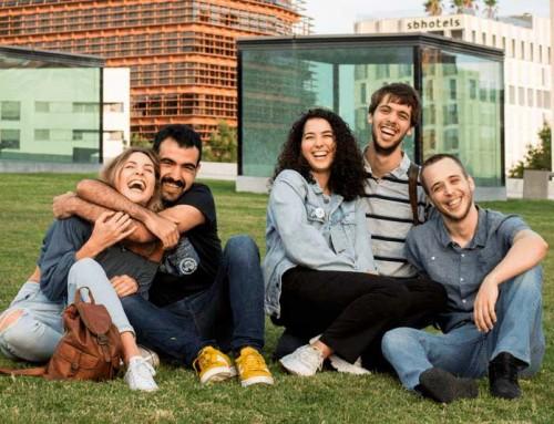SALVATGE amb els exalumnes Sílvia Mercè i Sonet, Claudia Nogués, Míriam Bartes, Alberto Trejo, Aleix Peña Miralles, Marià Llop i Núria Llausí.